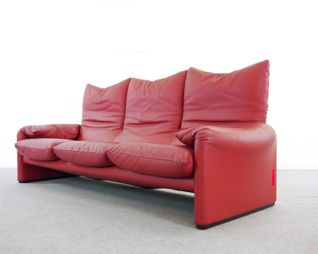 Large Size of Cassina Sofa Maralunga 3 Seater In Red Leather By Vico Magistretti For 2er L Form Big Sam Garten Ecksofa Mit Abnehmbaren Bezug Lagerverkauf Schillig Muuto Lila Sofa Cassina Sofa