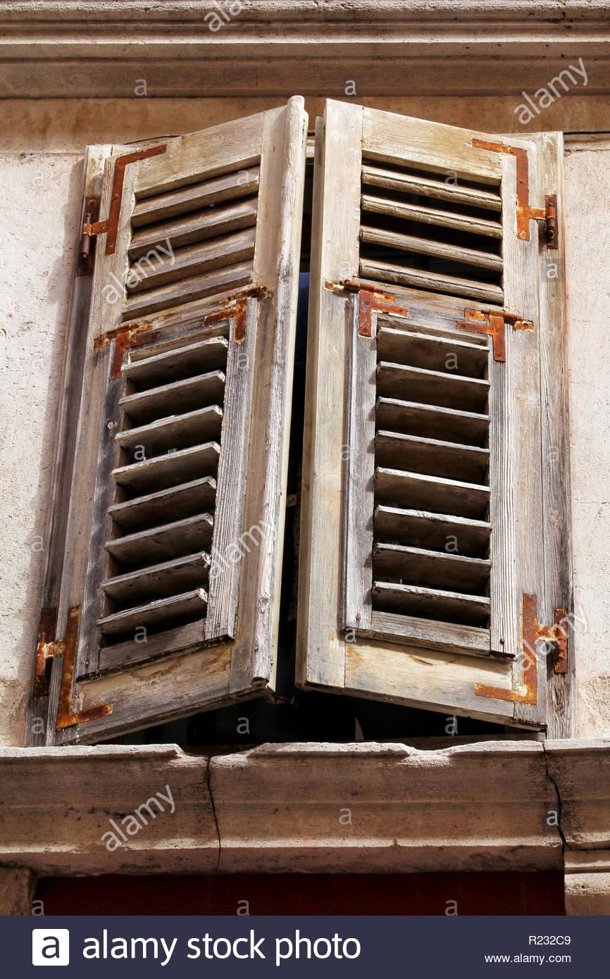 Full Size of Kunststoff Fenster Sicherheitsbeschläge Nachrüsten Jalousien Verdunkeln Stores Aluplast Dachschräge Jalousie Innen Sichern Gegen Einbruch Gebrauchte Kaufen Fenster Alte Fenster Kaufen