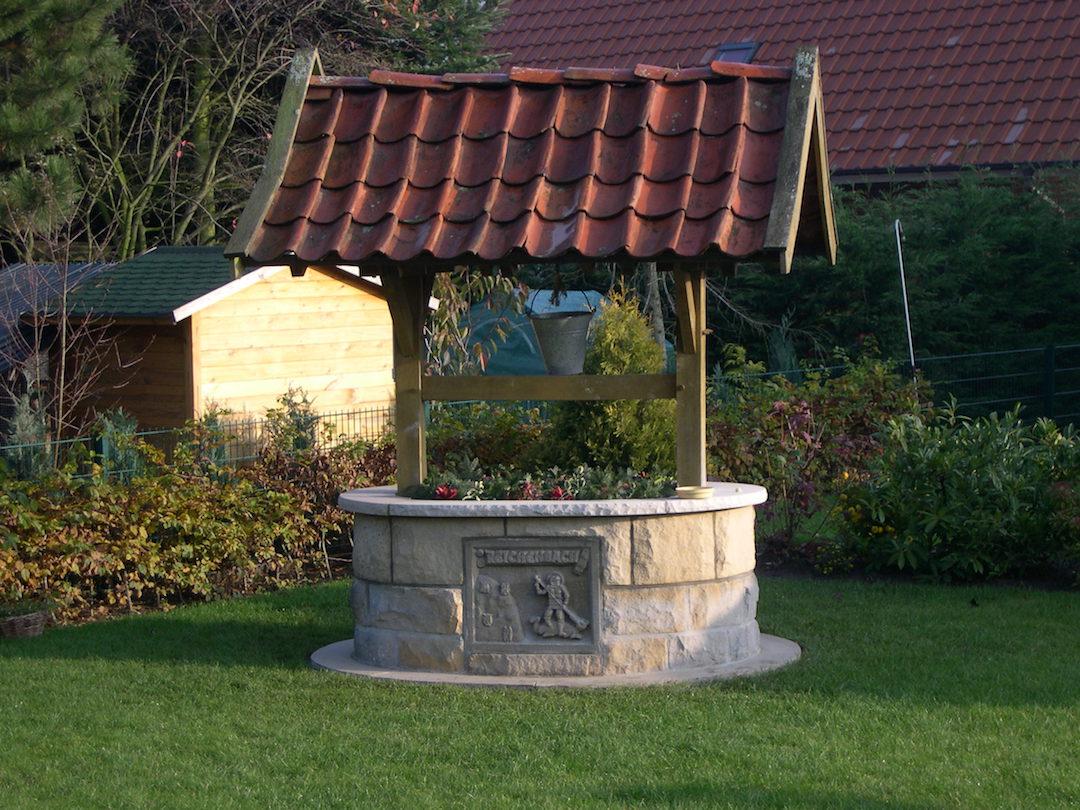 Full Size of Wasserbrunnen Garten Brunnen Steinoptik Gartenbrunnen Steine Solar Stein Kaufen Amazon Kugel Solarbetrieben Selber Bauen Antik Modern Rund Bauhaus Pumpe Bohren Garten Wasserbrunnen Garten