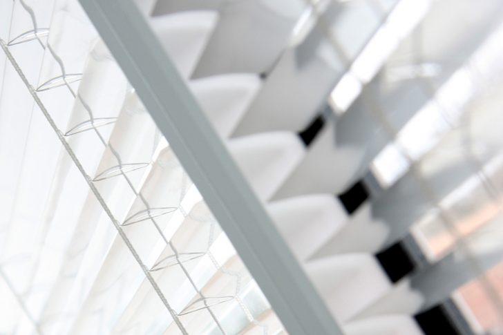 Medium Size of Fenster Rollos Innen Sonnenschutz Fr Der Groe Vergleich Anthrazit Bodentiefe Schallschutz Velux Preise Sichtschutzfolie Einseitig Durchsichtig Abus Schräge Fenster Fenster Rollos Innen