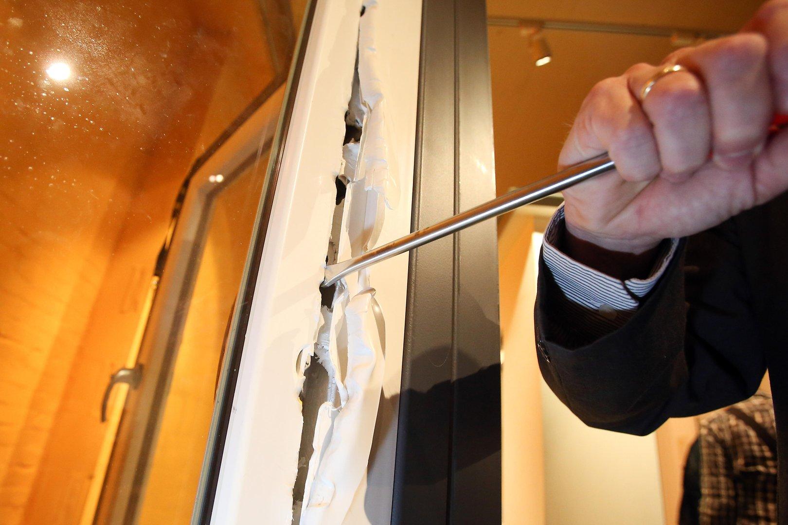 Full Size of Einbruchsichere Fenster Pilzkopfzapfen Oder Rollzapfen Was Ist 120x120 Einbauen Kosten Polnische Kunststoff Schallschutz Standardmaße Konfigurieren Mit Fenster Einbruchsichere Fenster