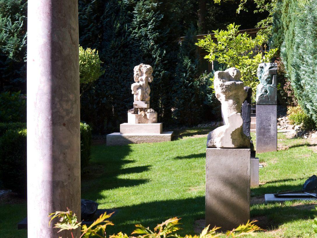 Large Size of Skulpturen Garten Kaufen Gartenskulpturen Aus Steinguss Stein Antik Moderne Edelstahl Modern Selber Machen Skulpturengarten Darmstadt Und Landschaftsbau Garten Skulpturen Garten