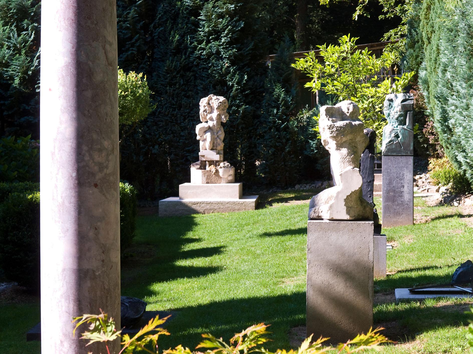 Full Size of Skulpturen Garten Kaufen Gartenskulpturen Aus Steinguss Stein Antik Moderne Edelstahl Modern Selber Machen Skulpturengarten Darmstadt Und Landschaftsbau Garten Skulpturen Garten