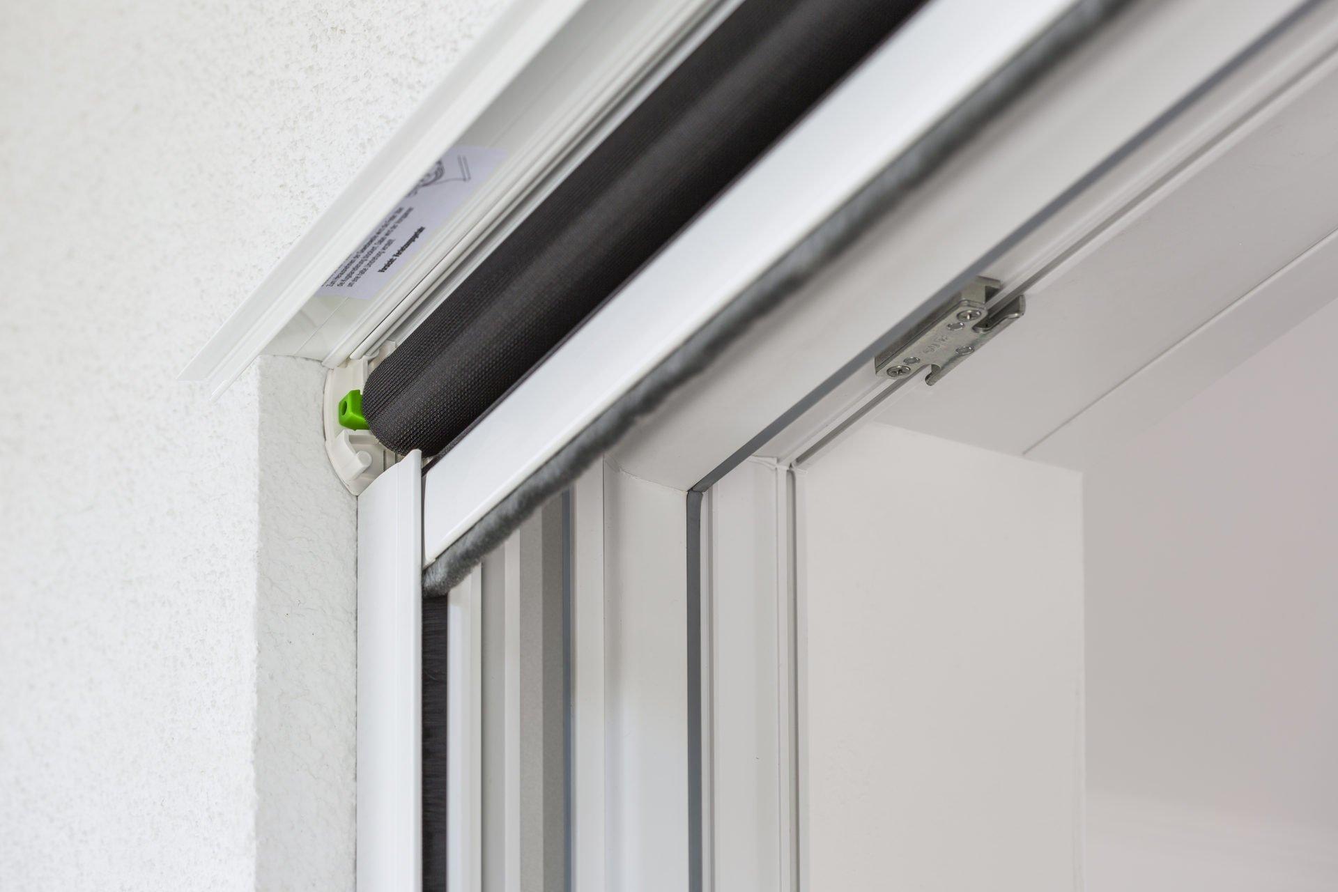 Full Size of Insektenschutz Fr Das Dachfenster Unbeschwertes Lften Fenster Konfigurieren Rollos Für Rehau Wärmeschutzfolie Preisvergleich Auto Folie Marken Felux Kaufen Fenster Fenster Rollos
