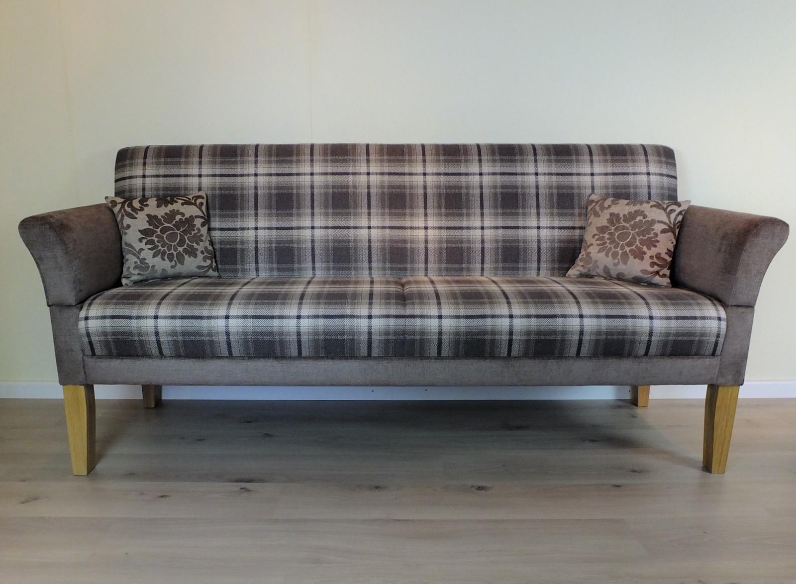 Full Size of Esszimmer Sofa Leder Vintage Sofabank 3 Sitzer Ikea Couch Grau Modern Landhausstil Samt Poco Big Innovation Berlin Höffner Neu Beziehen Lassen Zweisitzer Sofa Esszimmer Sofa