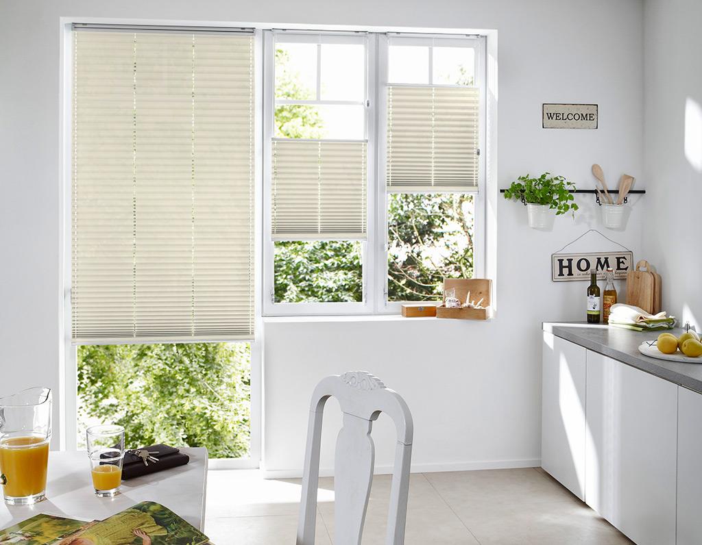 Full Size of Fenster Scheibling Sonnenschutz Plissee Kueche 5 Internorm Preise Dachschräge Aron Sichtschutzfolie Einseitig Durchsichtig Runde Rahmenlose Schallschutz Mit Fenster Fenster Plissee