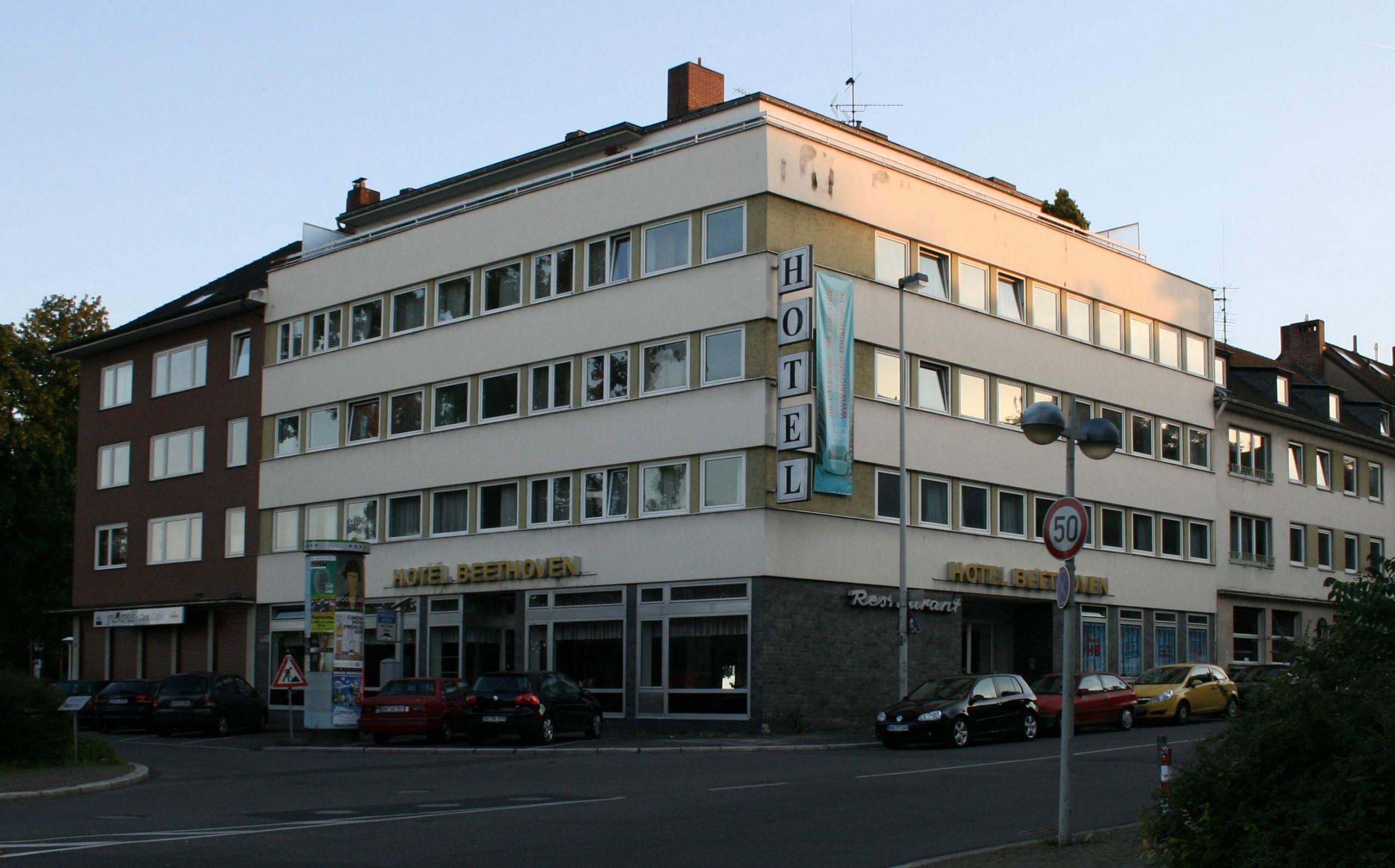 Full Size of 40 Neu Hotel Garten Bonn Luxus Anlegen überdachung Sonnensegel Holztisch Aufbewahrungsbox Gerätehaus Bewässerungssysteme Schaukelstuhl Und Landschaftsbau Garten Lärmschutzwand Garten Kosten