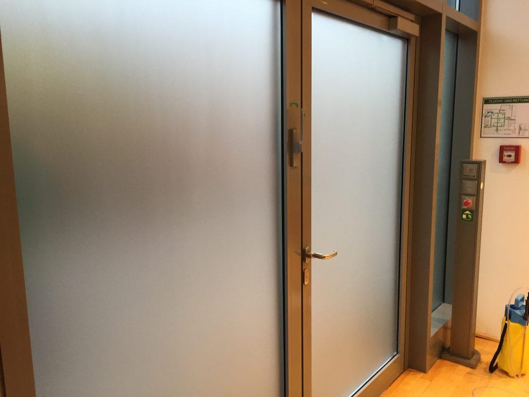 Large Size of Sicherheitsfolie Fenster Milchglasfolie Profimontage Aus Hamburg Rc3 Preisvergleich Holz Alu Preise Velux Türen Einbruchschutz Nachrüsten Stores Fenster Sicherheitsfolie Fenster