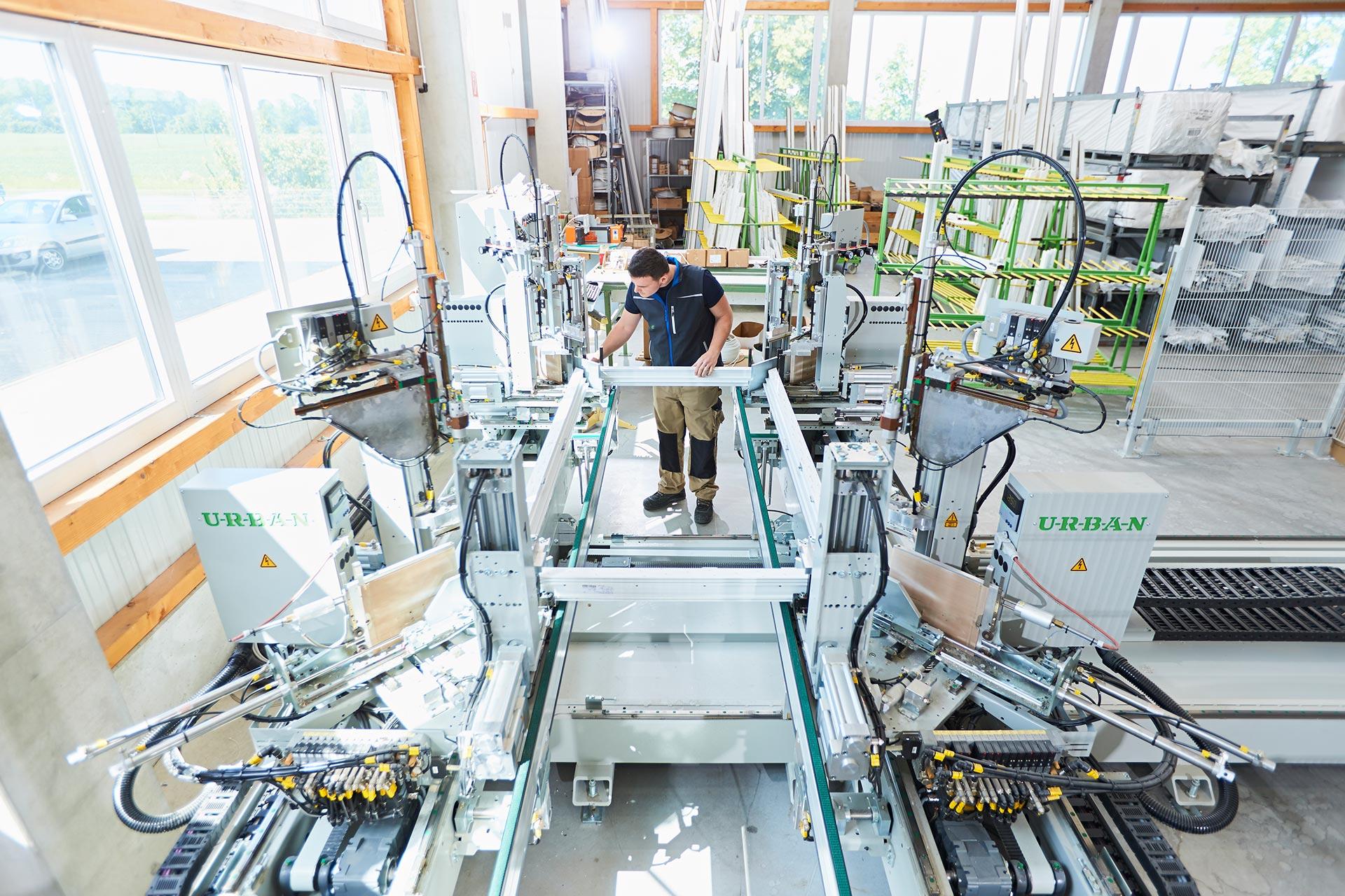 Full Size of Fenster Deko Weihnachten Licht Detail Dwg Fensterdeko Led Deutschland Hersteller Horizontal Schnitt Velbert Depot Startseite Krger Fensterbau Gmbh Fenster Fenster.de