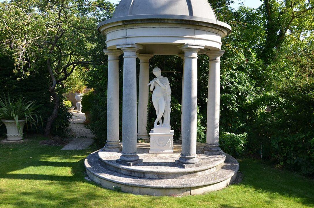 Large Size of Garten Skulpturen Skulptur Beton Gartenskulpturen Aus Steinguss Kaufen Modern Stein Metall Berlin Buddha Lebensgroe Figuren Im Xxl Deko Oder Selber Machen Garten Garten Skulpturen