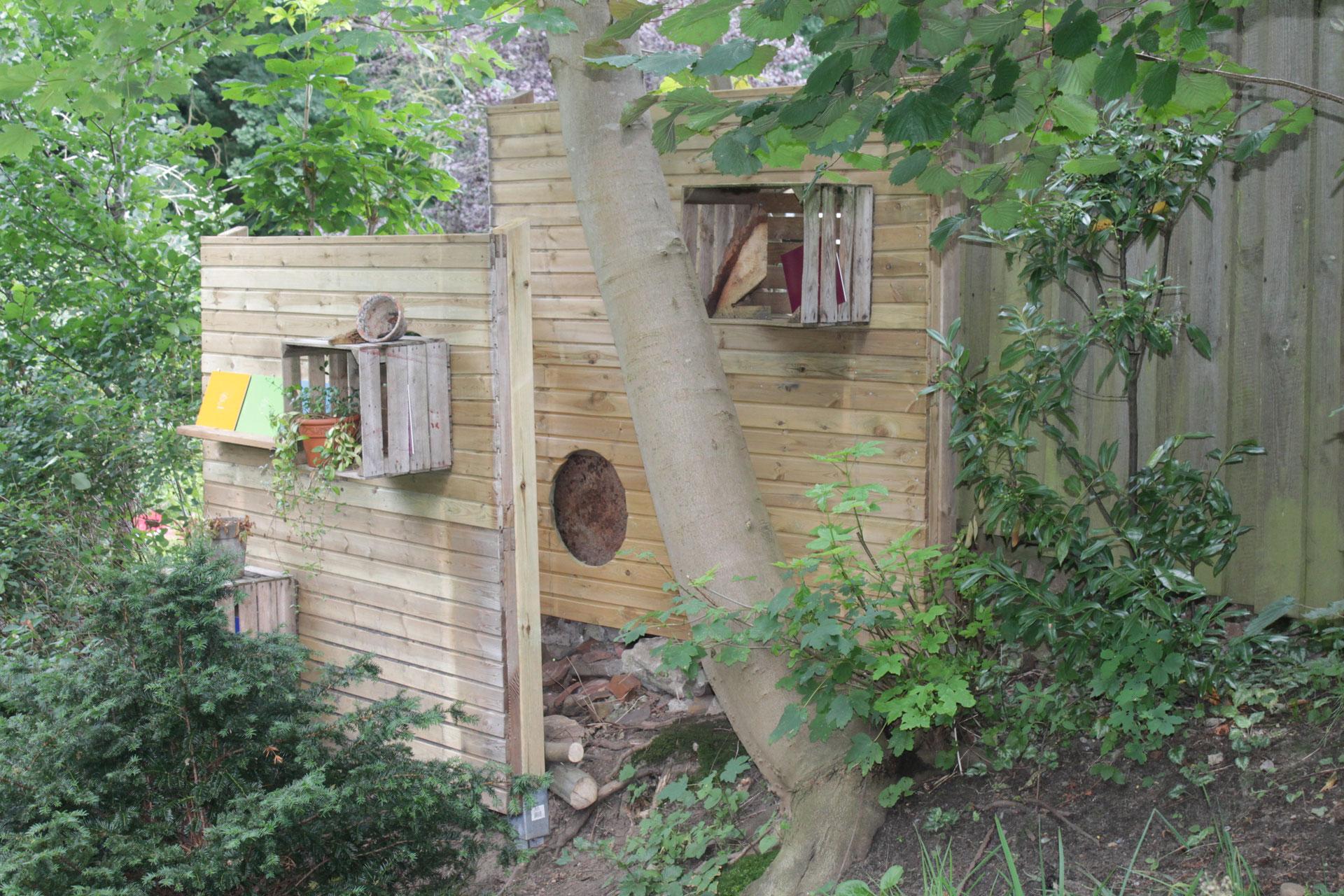 Full Size of Trennwände Garten Torwand Im Statt Sportstudio Kstelgarten Leben Spielhaus Eckbank Holztisch Klappstuhl Spielturm Leuchtkugel Relaxsessel Beistelltisch Aldi Garten Trennwände Garten
