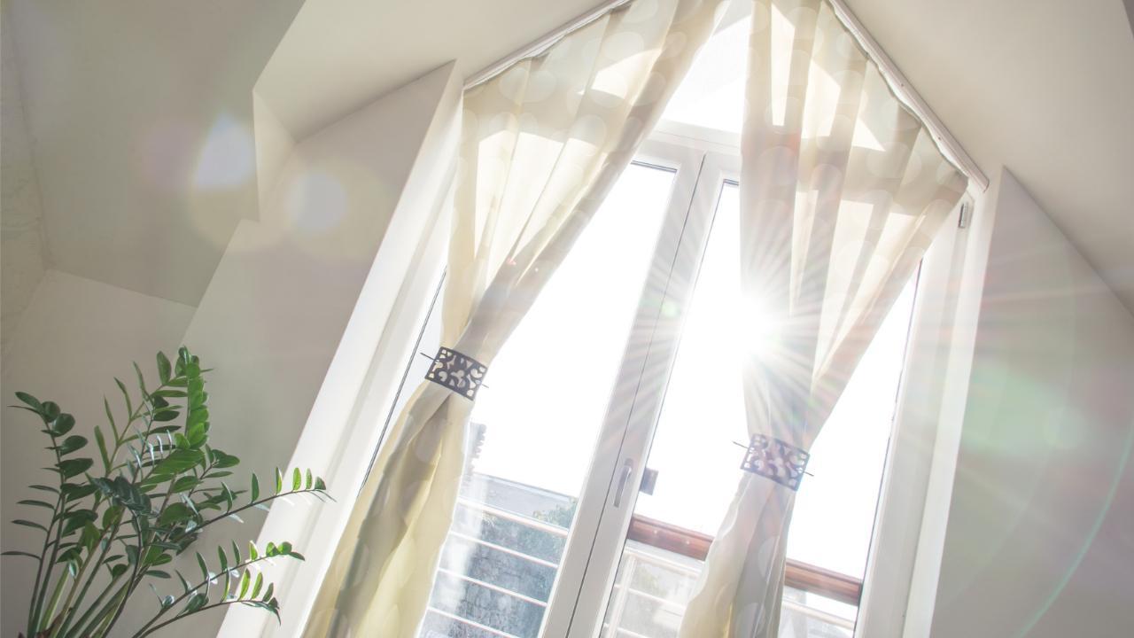 Full Size of Folien Für Fenster Wohnung Bei Mega Hitze Runterkhlen Mit Auto Folie Polen Fliegengitter Plissee Neue Einbauen Köln Veka Fototapete Sichtschutzfolien Dreh Fenster Folien Für Fenster