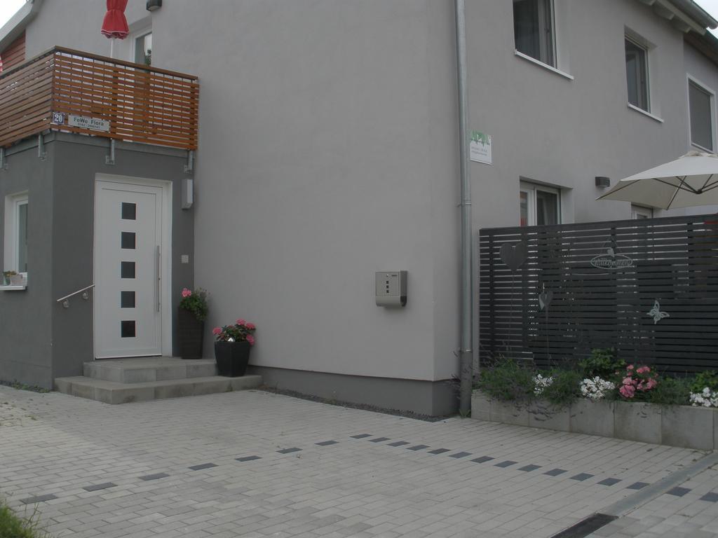 Full Size of Ferienwohnungen Flora Hotels In Bad Dürkheim Breaking Tshirt Armatur Basisches T Shirt Abfalleimer Badezimmer Ausstellung Komplette Serie Hotel Salzungen Orb Bad Hotel Bad Windsheim