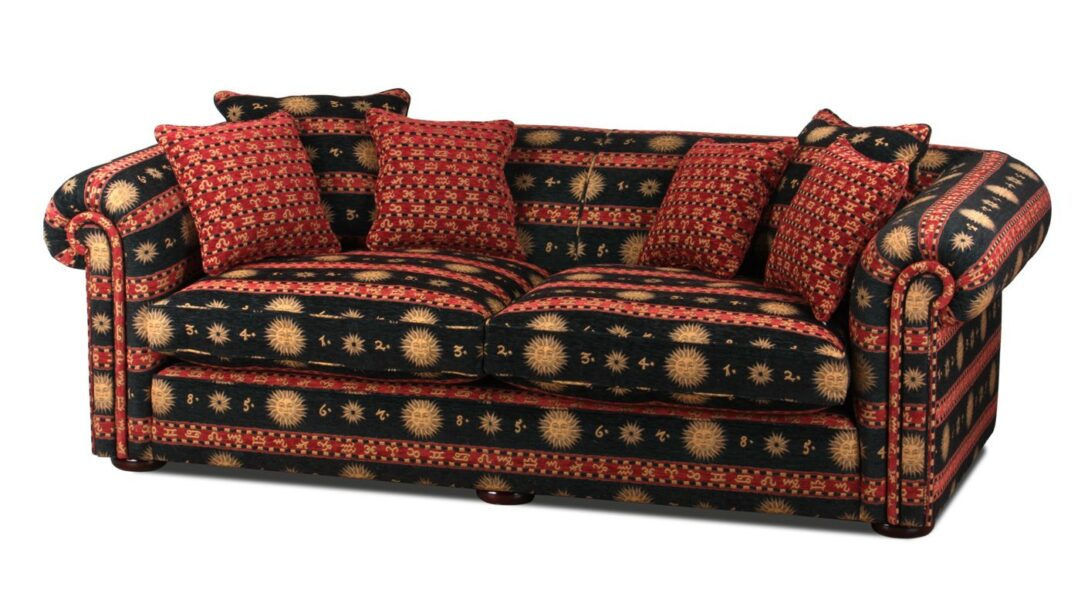 Large Size of Sofa Englisch Ein Englisches Xxl Landhaus Im Chesterfield Style Mit Einem Led Verkaufen 2 Sitzer Landhausstil Liege Kissen Heimkino Elektrischer Sofa Sofa Englisch