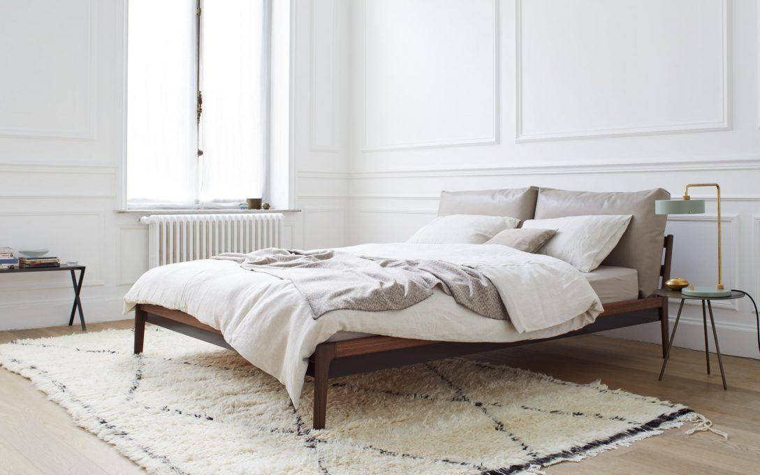 Large Size of Massivholzbett Sova Von More Bett Minimalistisch Massivholz Betten 2x2m Treca Jugend Außergewöhnliche Weißes 160x200 Kopfteil Selber Machen Skandinavisch Bett Bett Minimalistisch