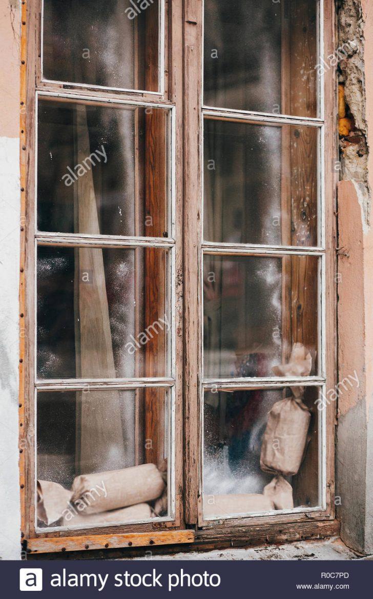 Medium Size of Fenster Beleuchtung Rustikale Weihnachtsgeschenke Auf Alten Holz In Alu Schüco Preise Bett Mit Indirekte Bad Jalousie Innen Weru Marken Bauhaus Velux Einbauen Fenster Fenster Beleuchtung