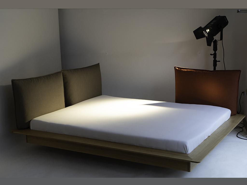Full Size of Balinesische Betten Bett 140x200 Mit Matratze Und Lattenrost 200x200 Komforthöhe Schreibtisch Podest Landhaus 180x200 Wand Nolte Nussbaum Gepolstertem Bett Bett Ausstellungsstück