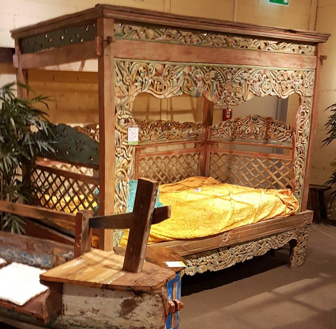 Large Size of Balinesische Betten Indonesisches Tagesbett Mit Aufwendigen Schnitzereien Indien Haus Ohne Kopfteil Günstige Musterring Breckle Rauch 140x200 Düsseldorf Für Bett Balinesische Betten