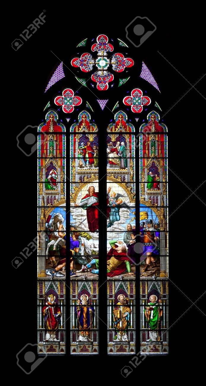 Full Size of Fenster Köln Ein Bild Von Einem Bunten Kirche In Kln Lizenzfreie Fotos Jemako Sicherheitsfolie Austauschen Kosten Rollos Ohne Bohren Ebay Rc3 Teleskopstange Fenster Fenster Köln