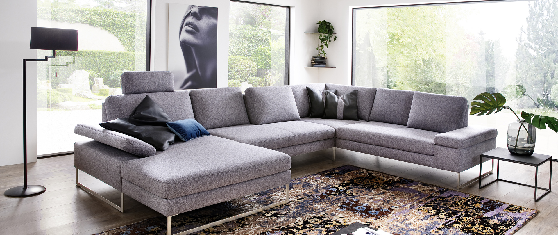 Full Size of Graue Couch Welche Kissen Graues Sofa Grauer Teppich Dekorieren Wandfarbe Weisser Mit Farbe Beiger Welcher Passt Stoff Grau Echtleder Relaxfunktion Big Sam Hay Sofa Graues Sofa