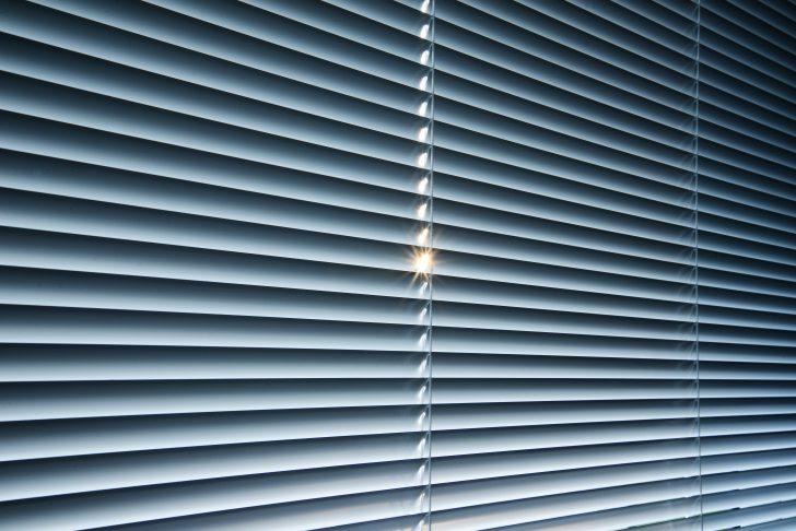 Medium Size of Fenster Die Sich Elektrisch Verdunkeln Verdunkelung Diy Ohne Bohren Abdunkeln Automatische Rolladen Folie Rollo Rollos Auto Schlafen 6 Tipps Fr Einen Fenster Fenster Verdunkeln