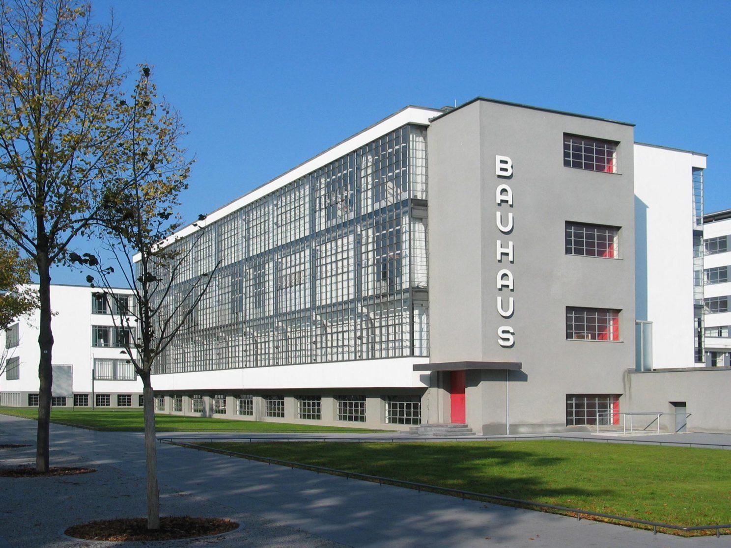Full Size of Bauhaus Fenster Dessau Brenne Architekten Zwangsbelüftung Nachrüsten Auf Maß Sichern Gegen Einbruch Konfigurator Veka Preise Neue Einbauen Einbruchsicherung Fenster Bauhaus Fenster