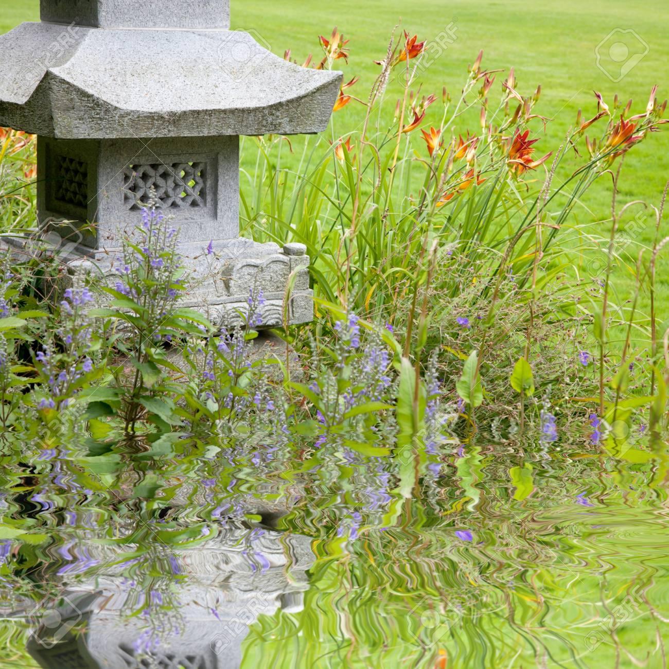 Full Size of Gartenskulpturen Steinguss Kaufen Schweiz Holz Garten Skulpturen Stein Buddha Skulptur Beton Metall Berlin Aus Rostigem Eisen Und Pflanzen Am Teich Drauen Garten Garten Skulpturen