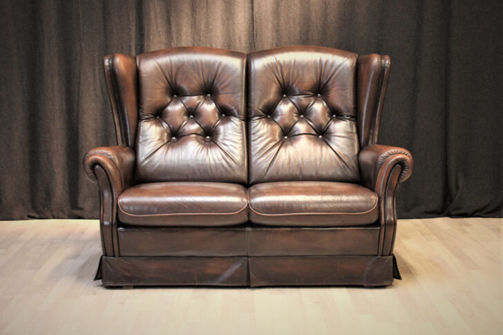 Medium Size of Chesterfield Style Sofa Couch Creme 2 Sitzer Mit Schlaffunktion Polster Sofort Lieferbar Dreisitzer Garnitur 3 Teilig Relaxfunktion Büffelleder Ektorp Big Sofa Sofa Englisch