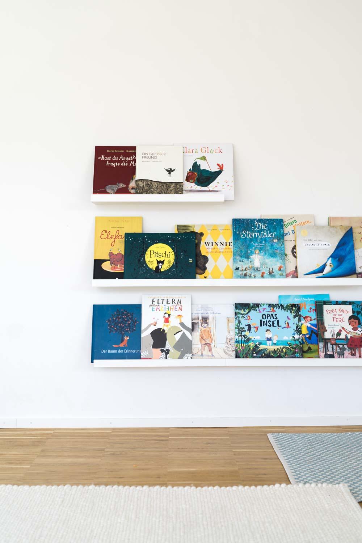 Full Size of Bücherregal Kinderzimmer Wie Bcher Lieben Lernen Oder Unser Bcherregal Nach Regal Regale Sofa Weiß Kinderzimmer Bücherregal Kinderzimmer