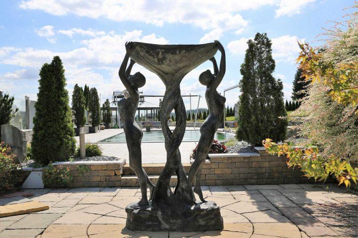Medium Size of Garten Skulpturen Gartenskulpturen Aus Stein Modern Skulptur Beton Buddha Kaufen Metall Rost Schweiz Holz Berlin Steinguss Rostigem Eisen Essgruppe Garten Garten Skulpturen