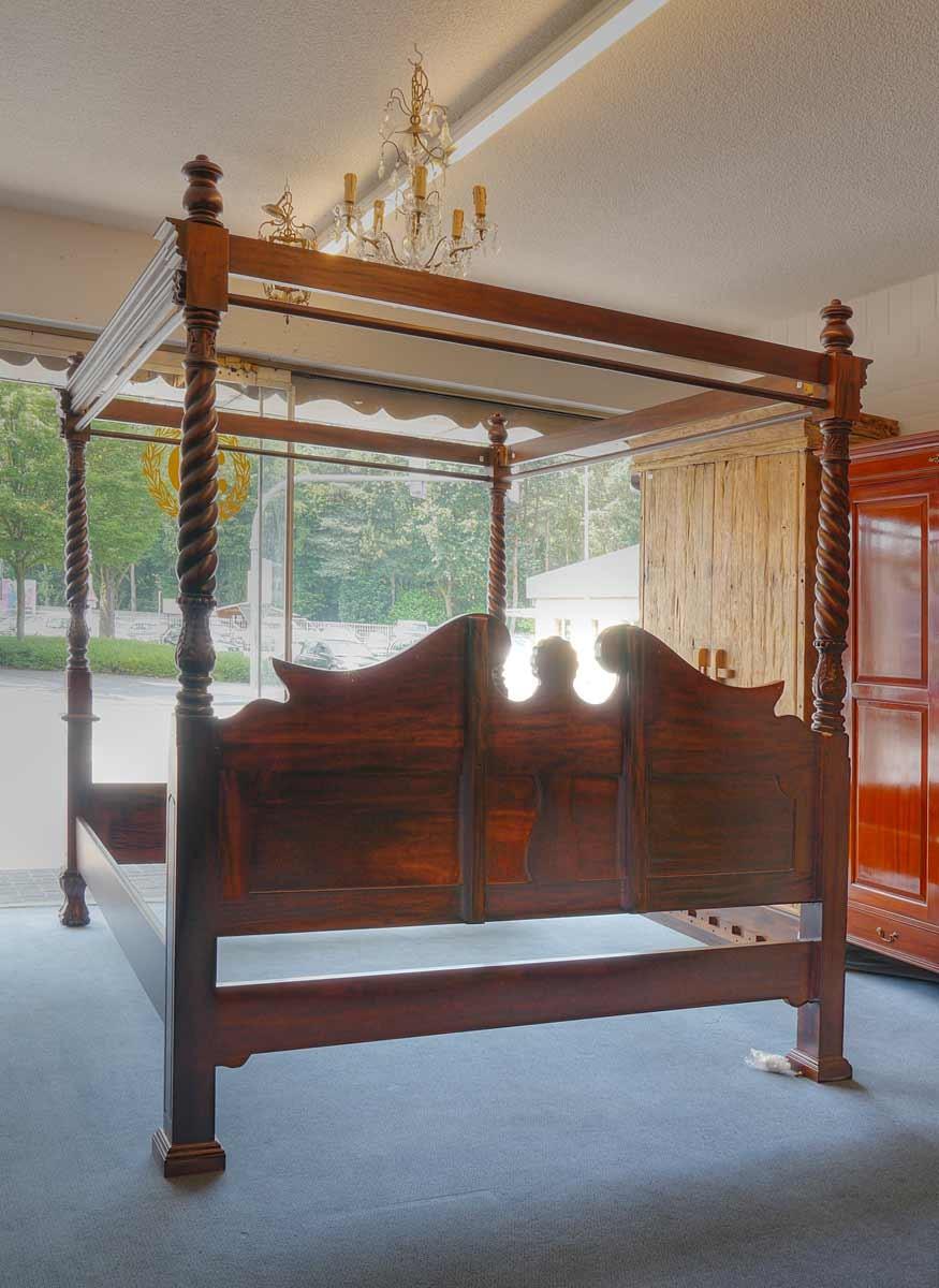 Full Size of Himmelbett Bett Doppelbett 180x200 Im Antik Stil Aus Mahagoni Bette Starlet Betten Weiß Coole Poco Weißes 140x200 Massiv Erhöhtes Ohne Kopfteil Niedrig Bett Bett Antik