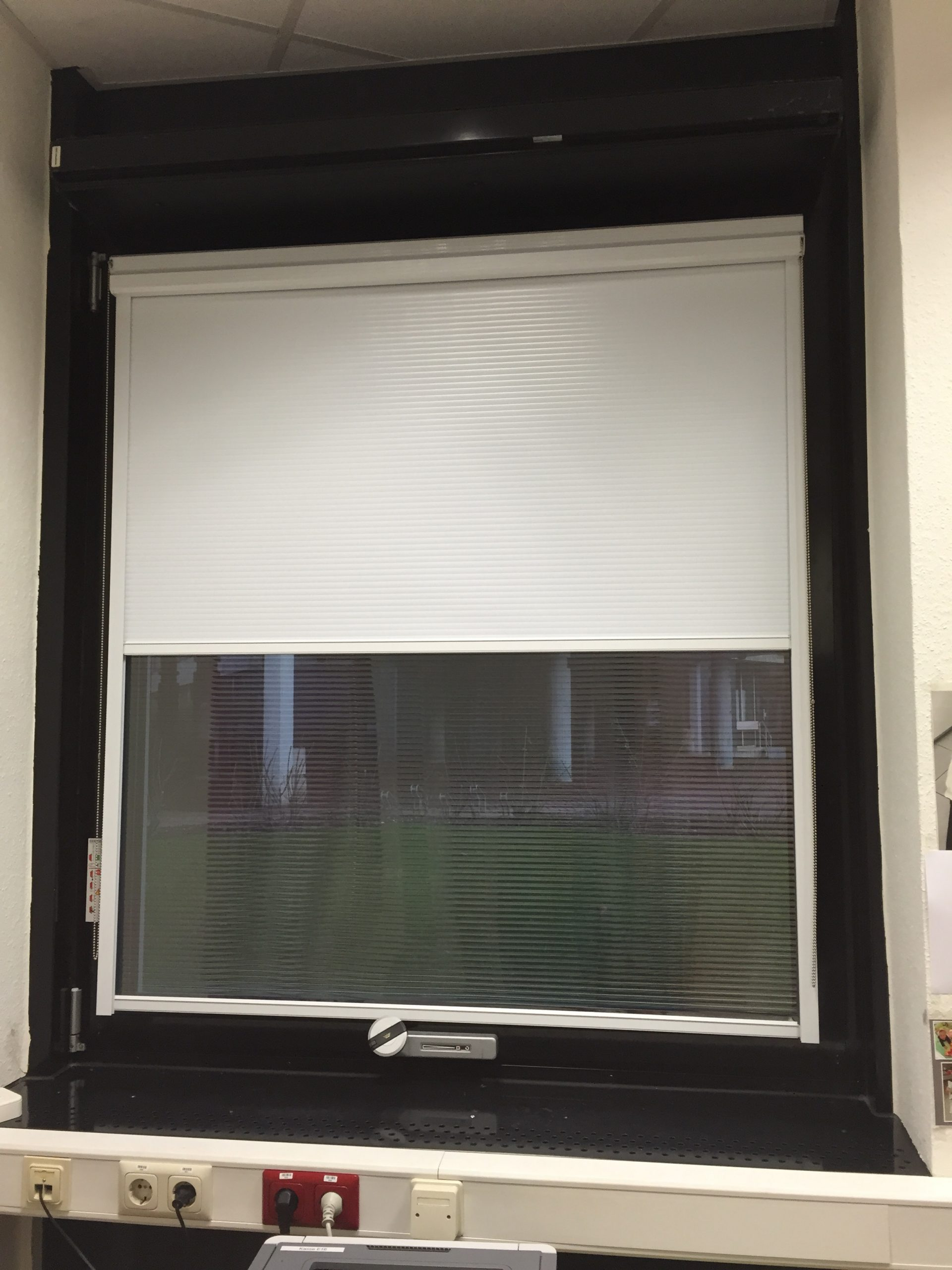 Full Size of Sonnenschutzfolie Fenster Innen Obi Oder Aussen Doppelverglasung Hitzeschutzfolie Selbsthaftend Test Anbringen Baumarkt Entfernen Montage Sonnenschutzsysteme Fenster Sonnenschutzfolie Fenster Innen