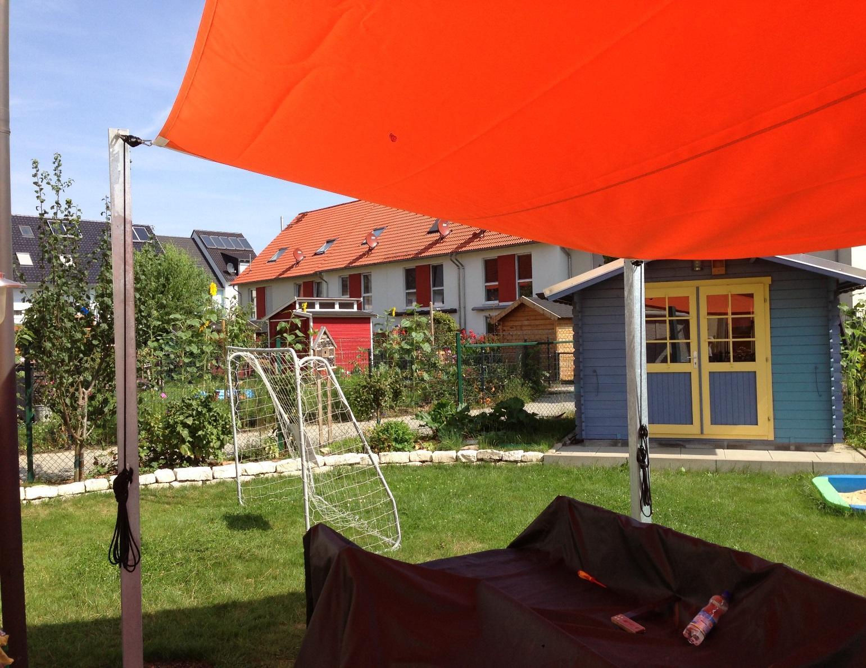 Full Size of Sonnensegel Garten Segel Center Frankfurt Pergola Vertikal Zeitschrift Kugelleuchten Sichtschutz Im Schaukelstuhl Versicherung Leuchtkugel Paravent Kinderhaus Garten Sonnensegel Garten