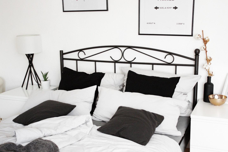 Full Size of Bett Schwarz Weiß Schlafzimmer Einrichtung Minimal Interior Dekoration Wohnen 140x200 Mit Stauraum Modernes 160x200 Bettkasten 90x200 Inkontinenzeinlagen Bett Bett Schwarz Weiß