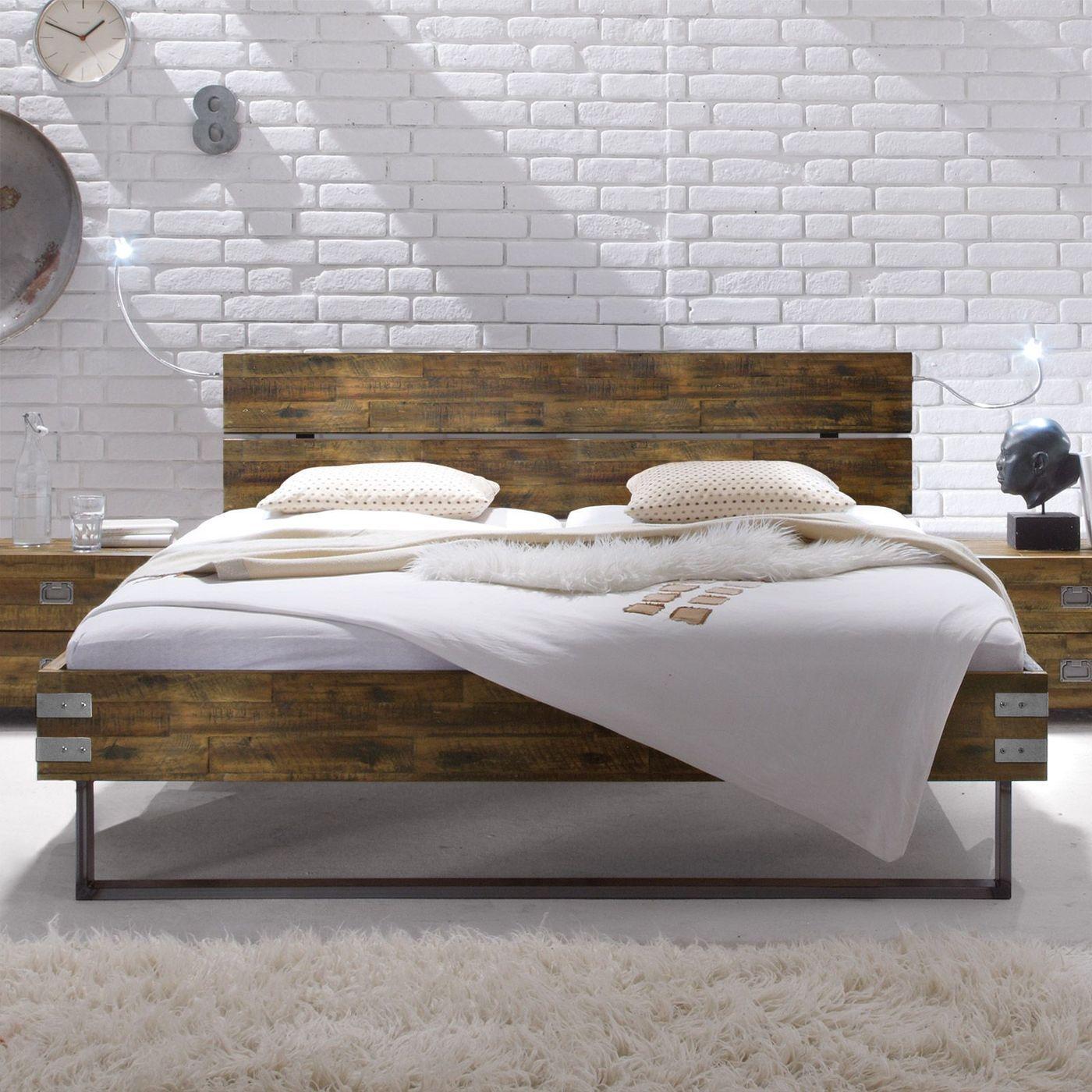 Full Size of Betten Holz Massivholzbett Aus Akazie Mit Stahlkufen Konna Team 7 Rauch 140x200 Massivholz Schlafzimmer Musterring Ruf Preise Ausgefallene Günstige Sofa Bett Betten Holz