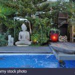 Garten Whirlpool Stockfotos Bilder Alamy Rattan Sofa Lounge Möbel Versicherung Kräutergarten Küche überdachung Sonnensegel Relaxsessel Aldi Schaukelstuhl Garten Garten Whirlpool