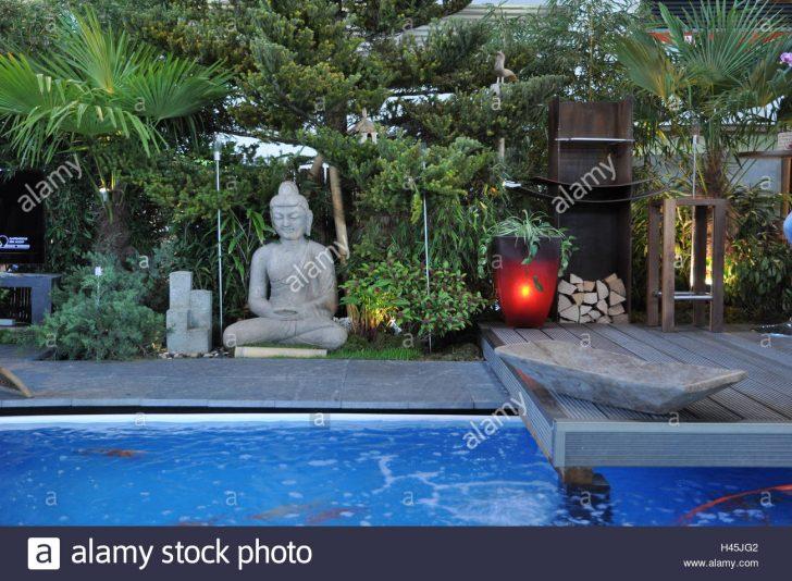 Medium Size of Garten Whirlpool Stockfotos Bilder Alamy Rattan Sofa Lounge Möbel Versicherung Kräutergarten Küche überdachung Sonnensegel Relaxsessel Aldi Schaukelstuhl Garten Garten Whirlpool