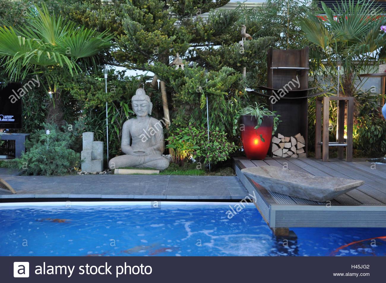 Full Size of Garten Whirlpool Stockfotos Bilder Alamy Rattan Sofa Lounge Möbel Versicherung Kräutergarten Küche überdachung Sonnensegel Relaxsessel Aldi Schaukelstuhl Garten Garten Whirlpool