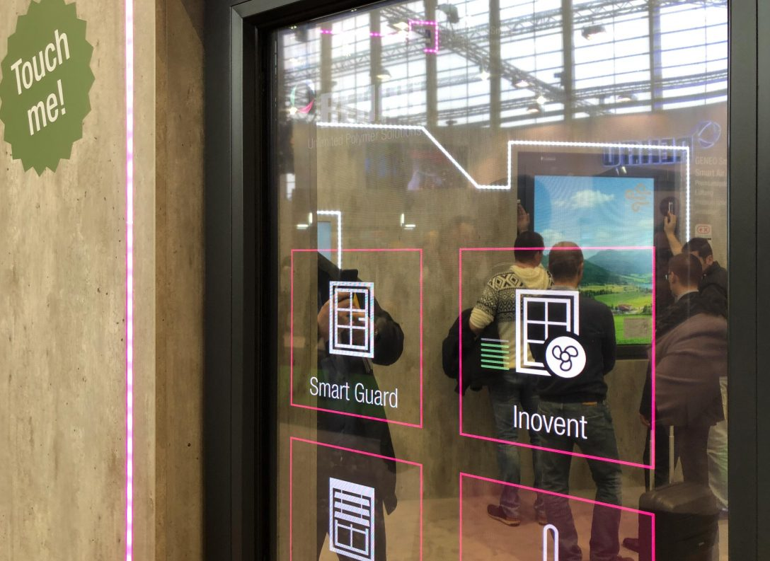 Large Size of Rehau Fenster Visionen Mit Digitalem Raffstore Und Fenstergroem Touchscreen Rc3 Plissee Kaufen In Polen Gitter Einbruchschutz Bauhaus 3 Fach Verglasung Fenster Rehau Fenster