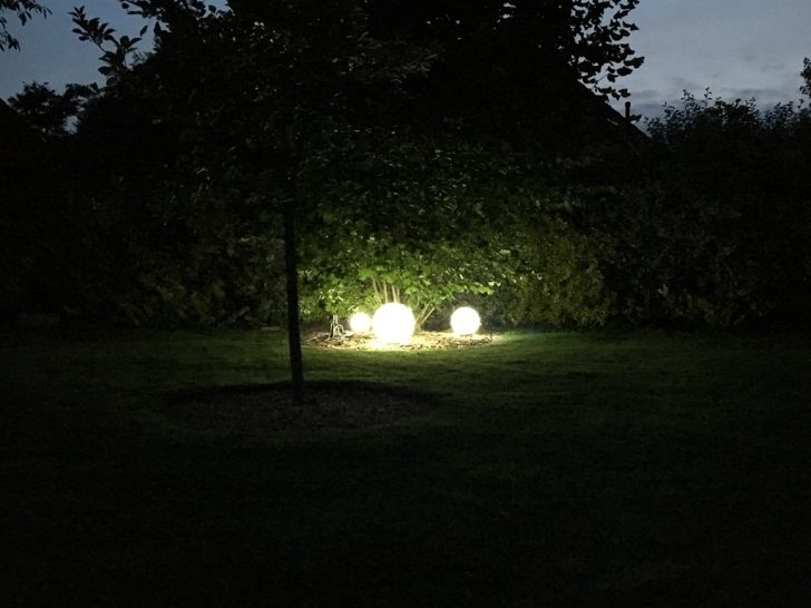 Medium Size of Kugelleuchten Garten Kugellampen Strom Bauhaus 220v Amazon Led Kugelleuchte Test Obi Solar 3er Set 30 Cm Im Nikolaus Lueneburgde überdachung Klettergerüst Garten Kugelleuchten Garten