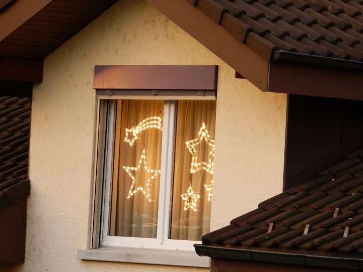 Medium Size of Weihnachtsbeleuchtung Fenster Fensterbank Innen Befestigen Led Silhouette Stern 23122012 243 Kb Aco Jalousie Dreifachverglasung Fliegengitter Maßanfertigung Fenster Weihnachtsbeleuchtung Fenster