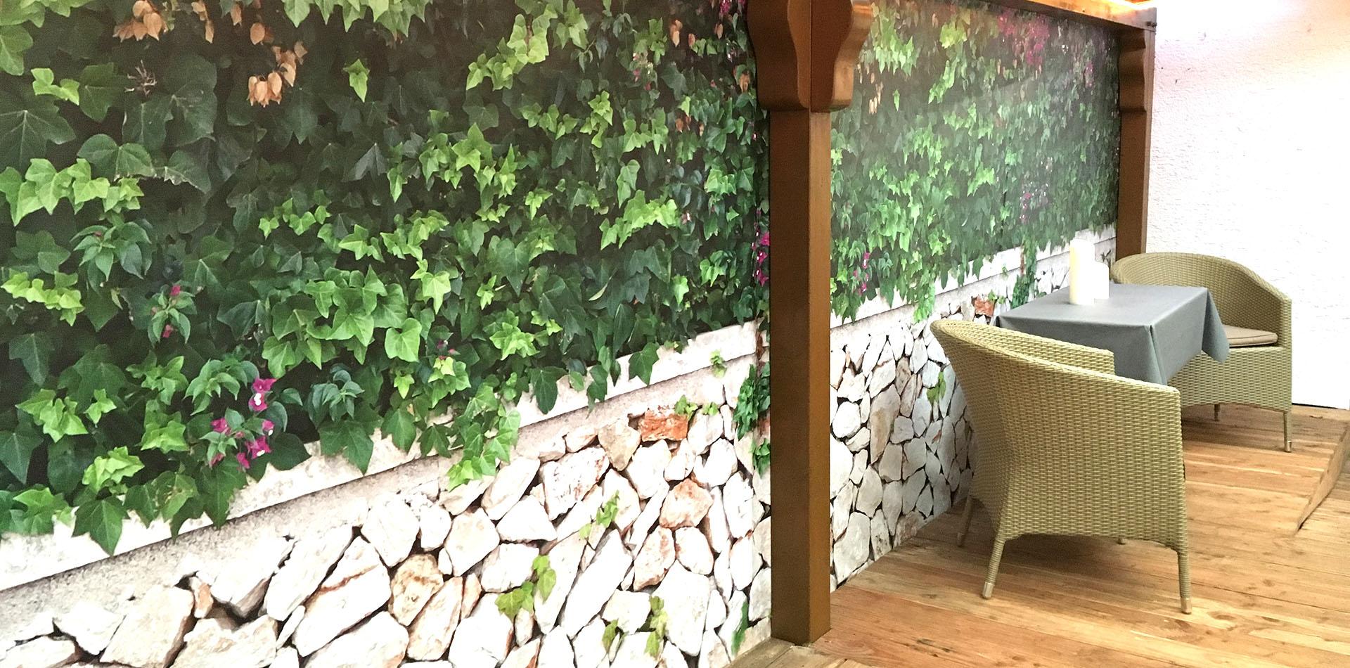 Full Size of Sichtschutz Garten Metall Bauhaus Obi Wpc Rost Hornbach Anthrazit Trennwand Schweiz Glas Ikea Sthetischer Fr Den Von Myfence Loungemöbel Holz Kugelleuchten Garten Trennwand Garten
