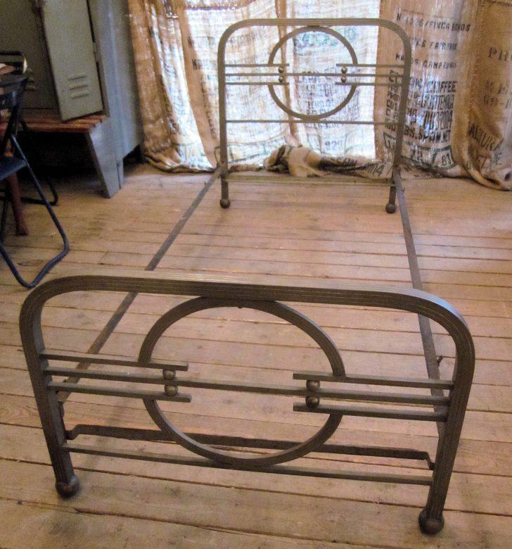 Medium Size of Bett Antik 01620 Art Deco Aus Metall Wandel Amazon Betten 180x200 Schwarz Im Schrank Bettkasten Günstige 140x200 Kaufen Hamburg Massivholz Barock Ohne Füße Bett Bett Antik
