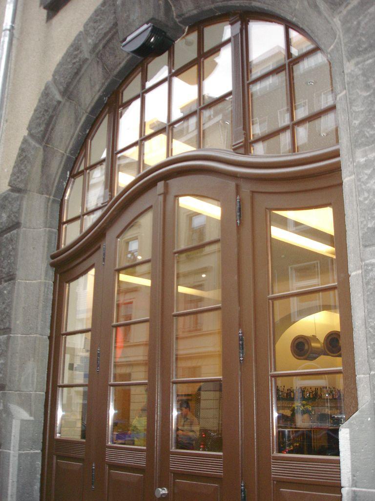 Full Size of Alte Fenster Kaufen Denkmalschutzfenster Denkmalschutztren Bau Sanierung Auf Maß Sicherheitsfolie Holz Alu Badezimmer Gestalten Internorm Preise Bett Günstig Fenster Alte Fenster Kaufen