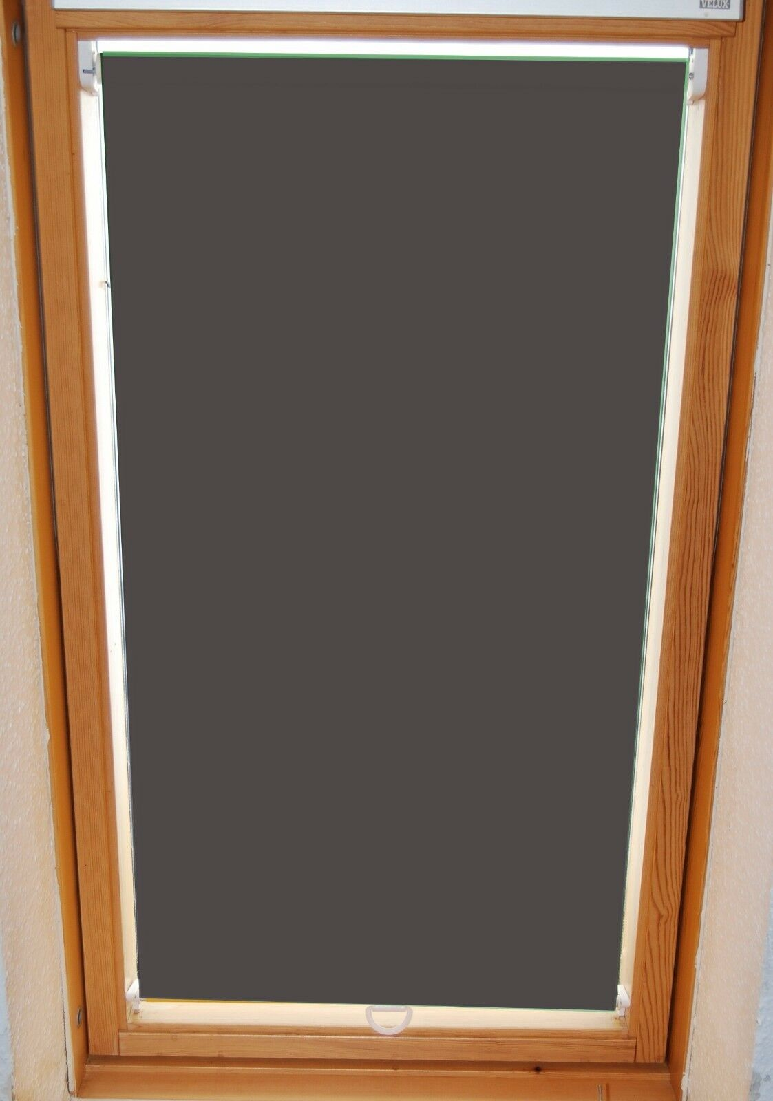 Full Size of Schräge Fenster Abdunkeln Veka Drutex Test Wärmeschutzfolie Reinigen Winkhaus Regal Für Dachschräge Rostock Velux Kaufen Rollos Rehau Zwangsbelüftung Fenster Schräge Fenster Abdunkeln