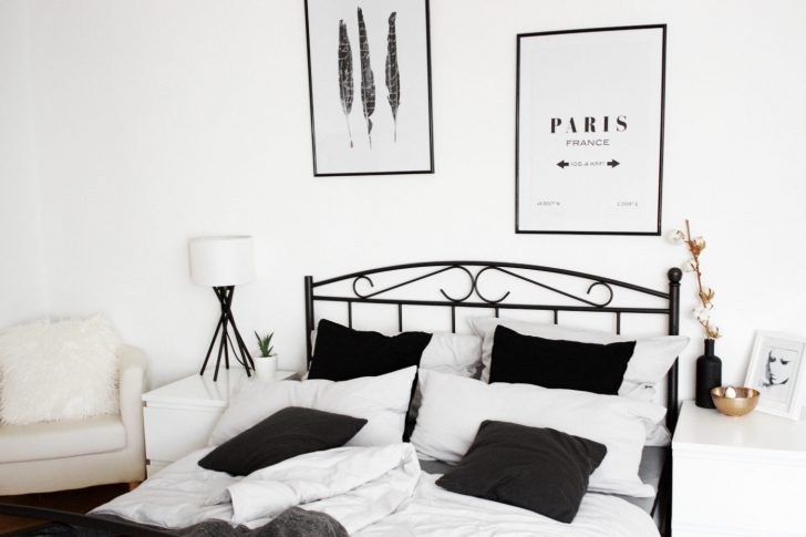 Medium Size of Bett Minimalistisch Homestory Schlafzimmer Einrichtung Mein Bezaubernde Nana Futon King Size Boxspring Betten Massivholz Mit Matratze Und Lattenrost Bett Bett Minimalistisch