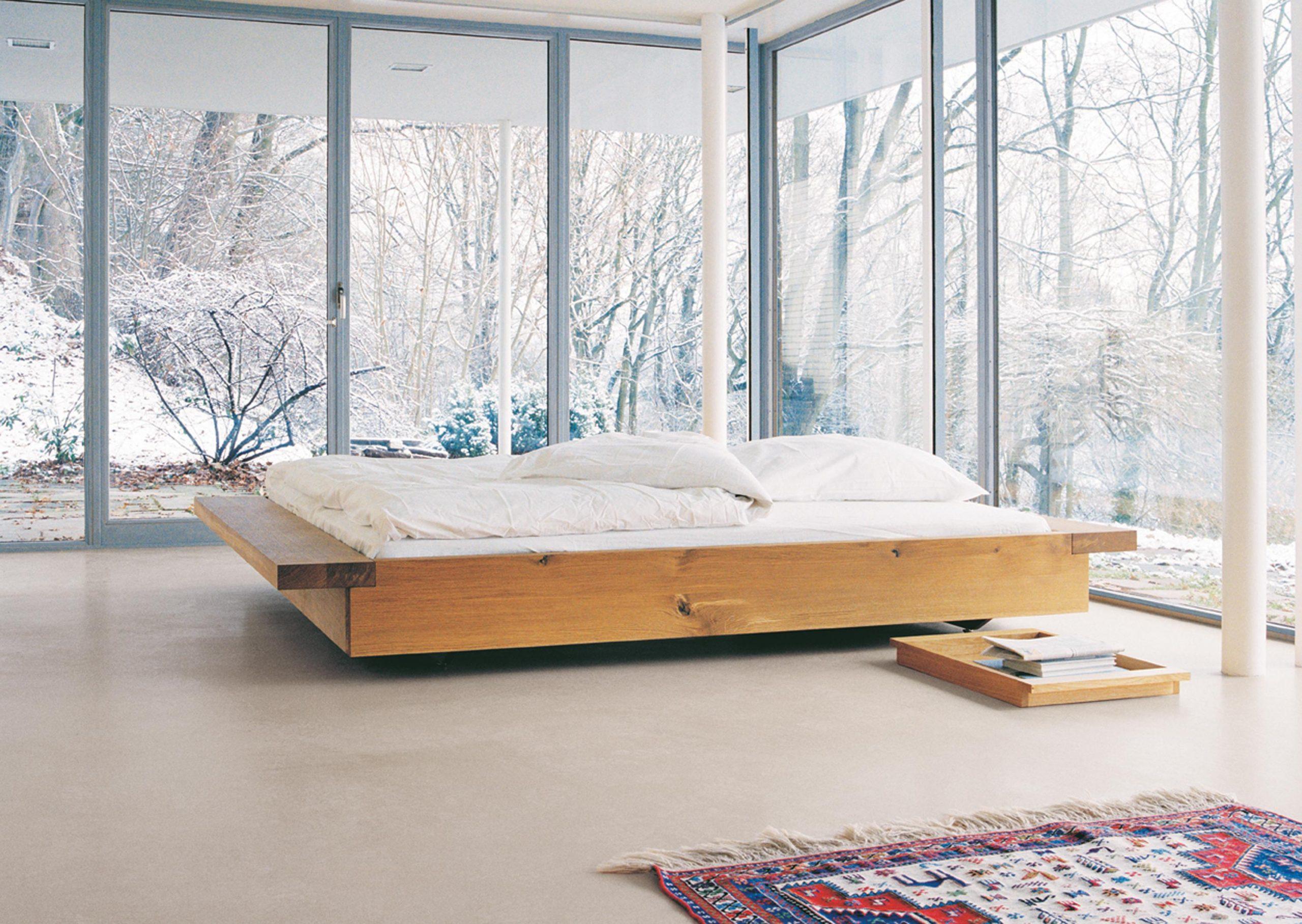 Full Size of Doppelbett Aus Holz Fensterfront Bett Teppich Be Landhaus 160 80x200 Jugendzimmer Betten Für übergewichtige Stauraum 200x200 Ottoversand Im Schrank Clinique Bett Bett Minimalistisch