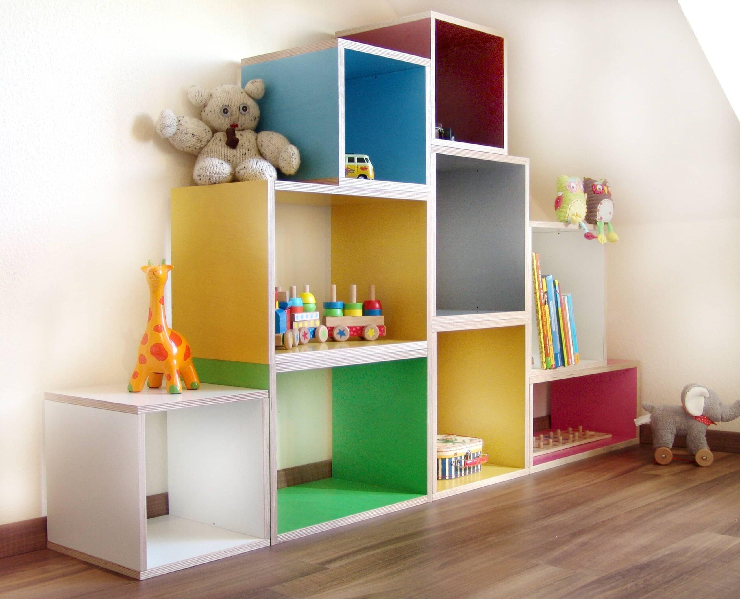 Full Size of Bücherregal Kinderzimmer Regal Bunt Designbeispiel 4 Ein Kunterbuntes Regale Weiß Sofa Kinderzimmer Bücherregal Kinderzimmer
