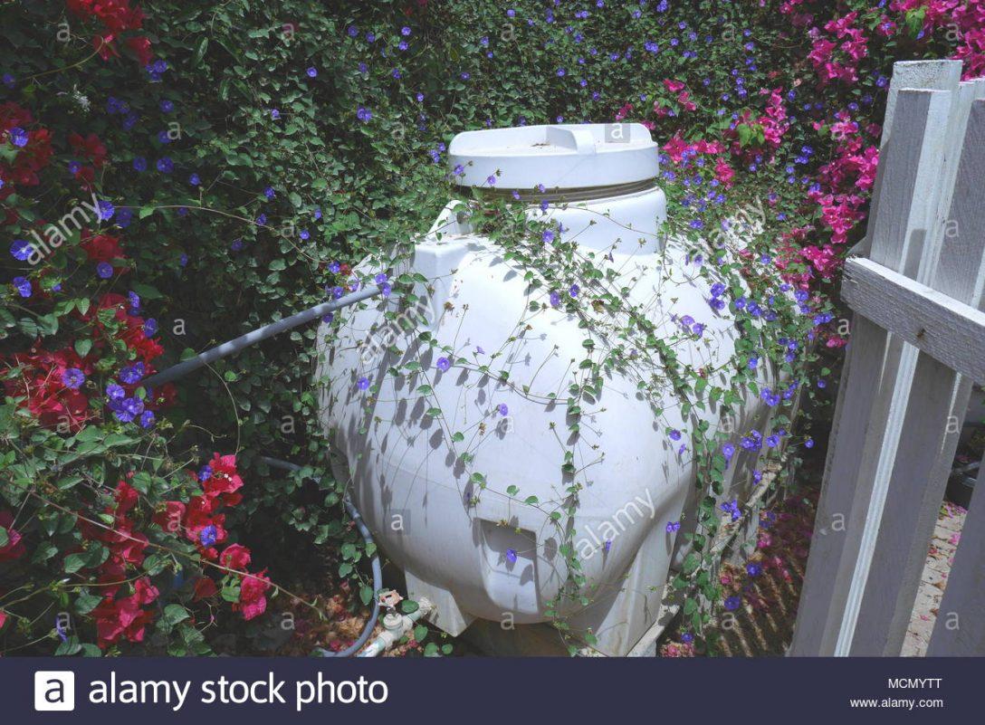 Large Size of Wassertank Garten 2000l Eckig 1000l Flach Unterirdisch Toom Gebraucht 10000l Oberirdisch Obi Fr Den Huslichen Gebrauch Mit Blumen Bewachsen Bewässerung Garten Wassertank Garten