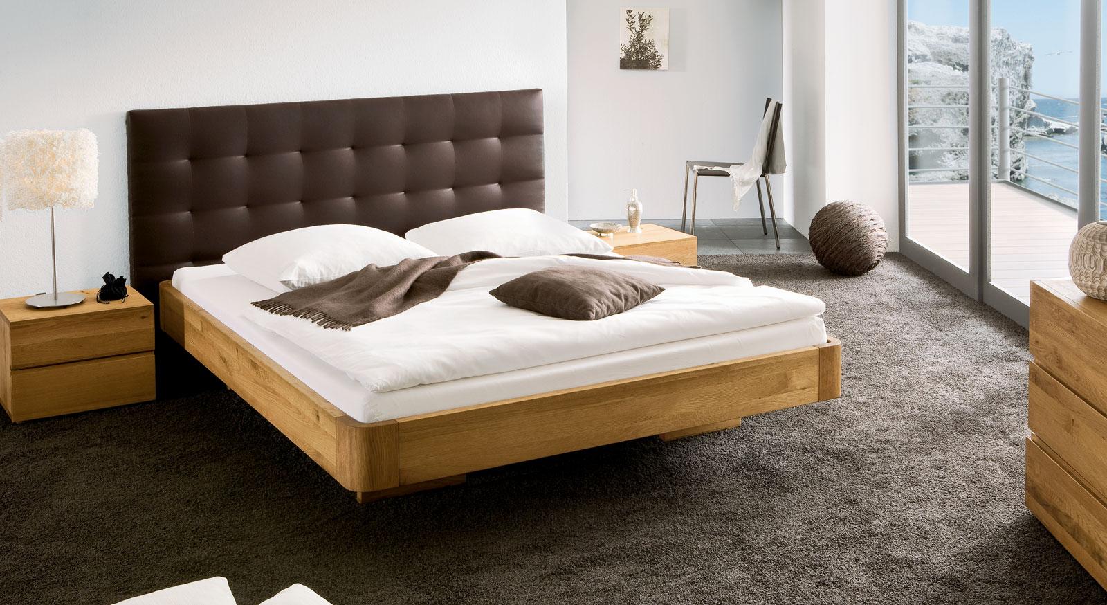 Full Size of Bett Schwebende Optik Aus Eiche Natur Behandelt Panama Betten 90x200 100x200 Esstische Massiv Massiver Esstisch Weiß Ausziehbar Amerikanische Gebrauchte Holz Bett Massiv Betten